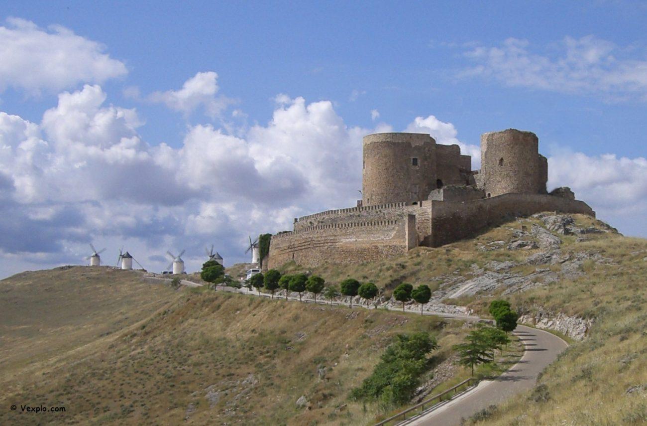 Il castello di Consuegra.