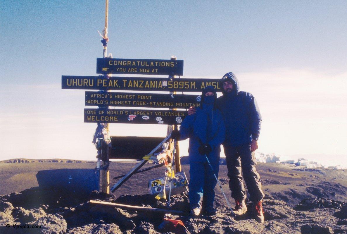 In vetta al Kibo, ovvero la cima del Kilimangiaro.