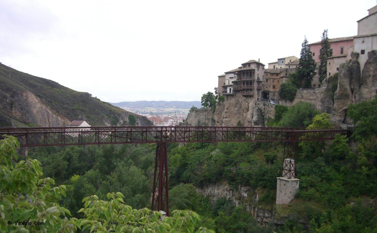 Vista di Cuenca e delle case appese.