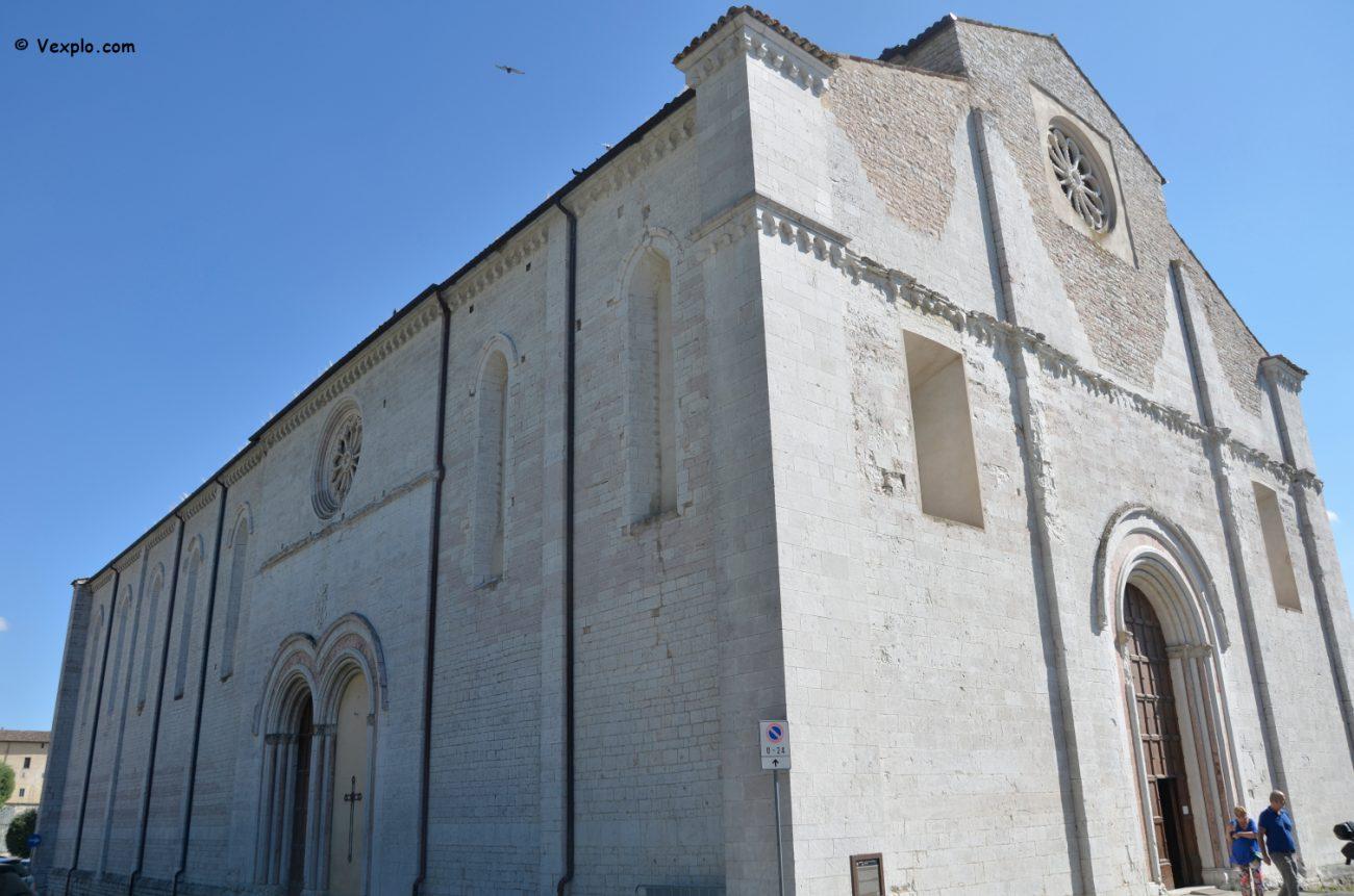 Gubbio - la chiesa di San Francesco.